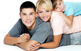 People_A_happy_family_086543_32