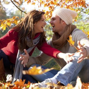People___Entertainment_and_recreation_____Couple_in_love_in_the_autumn_forest_085471_29